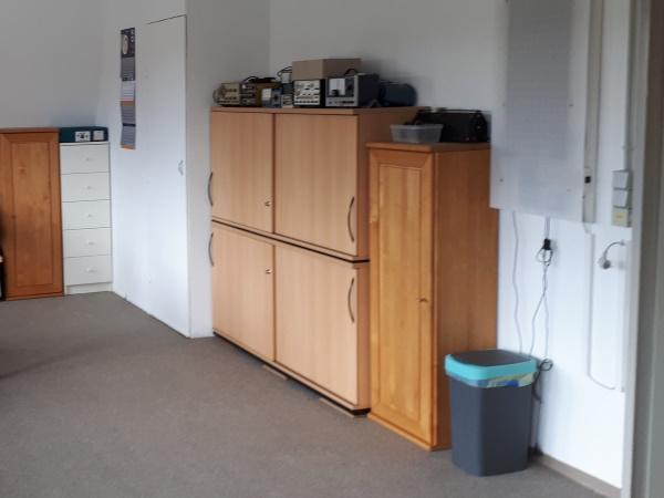 Neue Büroschränke